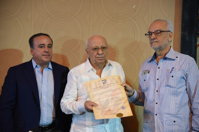 06072017. Anuncio dedicatoria del torneo a Don José Manuel Bus