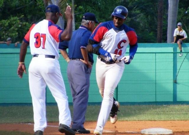 beisbol-camaguey-Leslie-Anderson