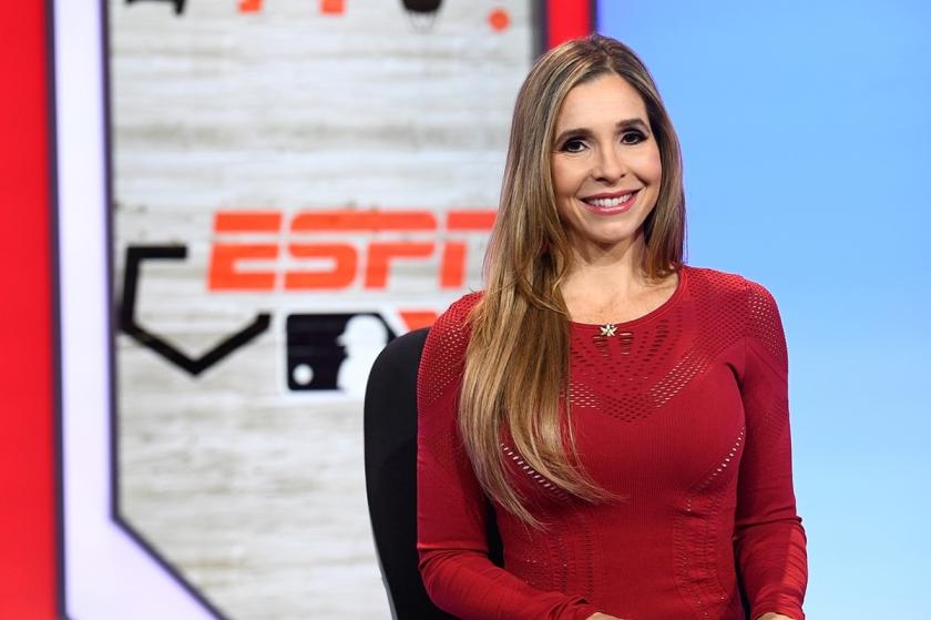 Carolina Guillén, primera mujer en narrar juego de beísbol en ESPN – lasligasmenores.com